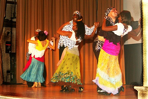 Reginald Thornton & Beatriz Vasquez, Ron Parker & Erica Zuniga, Salvador Corona & Atiya El-Amin dance Samba