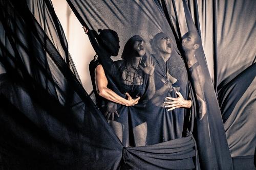 Bryn Cohn & Artists dancers (From L to R) Adam Wile, Yuliya Romanskaya, Rachel Abrahams and Nik Owens in Bryn Cohn's 'Into the Dark'