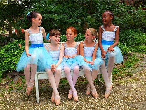 New York Theatre Ballet dancers