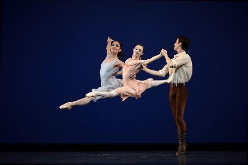 San Francisco Ballet dancers in Jerome Robbins' 'Dances at a Gathering.'