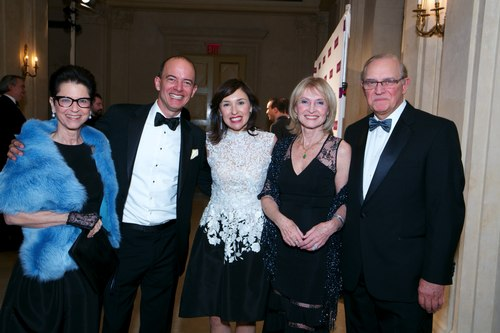 Jody Arnhold with Gala Honorees David Pérez and Milena Alberti-Pérez (and Alberti family members)