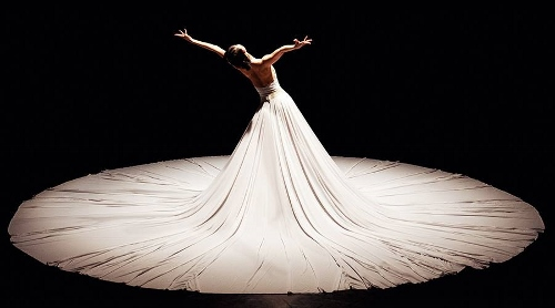 Jessica Lang Dance performing The Calling (excerpt from Splendid Isolation II).