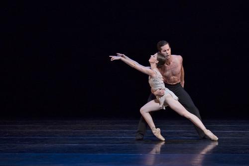 BalletMet's Caitlin Valentine-Ellis and Gabriel Gaffney Smith in Edwaard Liang's 'Distant Cries.'