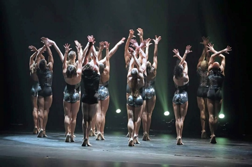 Complexions dancers in Dwight Rhoden's 'Strum.'