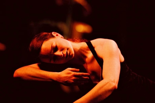 Stephen Pelton Dance Theatre's Freya Jeffs in <i>Lauda Adrianna</i>.