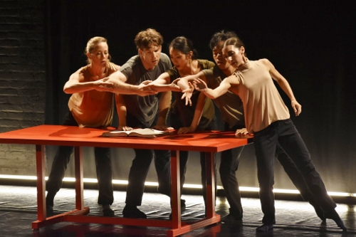 (l-r) Lauren Garson, Damien Highfield, Stephanie Terasaki, Michael Marquez and Felise Bagley in Adam Barruch's 'Hex.'