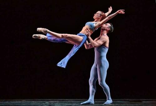 Smuin Contemporary American Ballet in Stanton Welch's 'Indigo.'