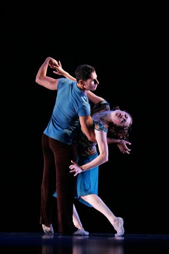 Gina Patterson & Eric Midgley in 'Liquid Eyes' by Gina Patterson. photographer is Todd Rosenberg
