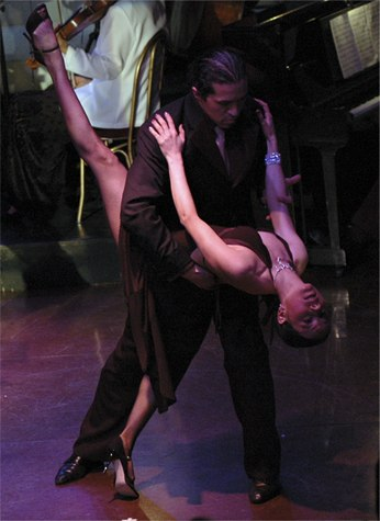 Annatina & Hernan performing for the '4 seasons Tango' at the Thalia Theatre (Libertango)