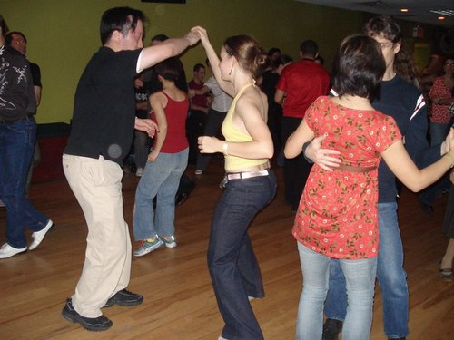 Swing and Salsa at Club 412 (<a href='http://www.liveswideopen.com'>www.liveswideopen.com</a>)
