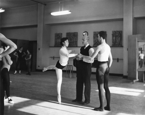 Anthony Tudor (center) with students, male dancer is John Barker, member of Juilliard Dance Theater, 1955-56