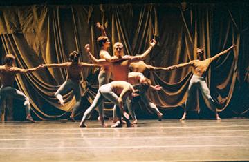 Merce Cunningham Dance Company in 'Sounddance'