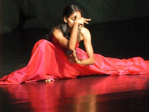 Shantala Shivalingappa playing with gesture