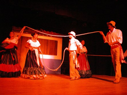 The rope dance at the Pueblo Antiguo show