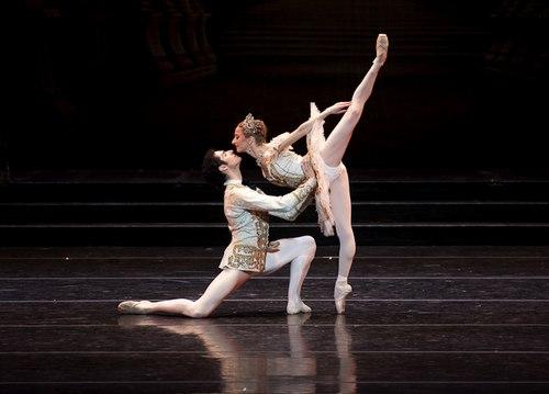 Larissa Ponomarenko and Carlos Molina in Boston Ballet's <i>Sleeping Beauty</i>