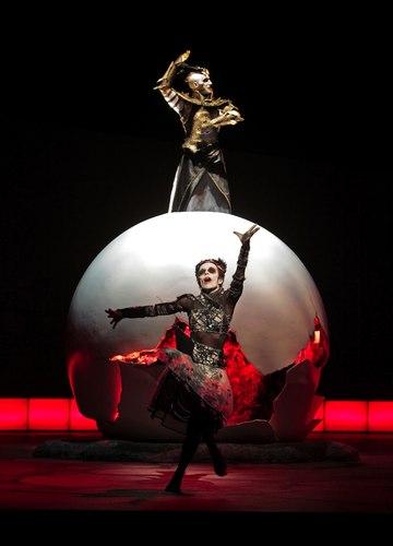 Matthew Morris (Apollo) & Ana Yepes (Dancer) in the Santa Fe Opera's <i>Alceste</i>