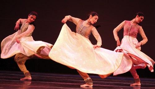 Parul Shah Dance Co in SAMANVAY Courtesy MasalaJunction.com & IAAC