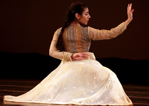 Parul Shah in SAMANVAY Courtesy MasalaJunction.com & IAAC