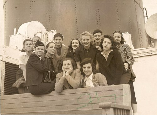 Catherine, Dorothie and other Philadelphia Ballet Company dancers aboard the Ile de France in May 1937 on their way to Europe Courtesy of Ward Littlefield
